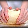Текст приворота на хлеб
