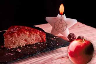 Приворот - как приворожить яблоком, свечей, выпечкой